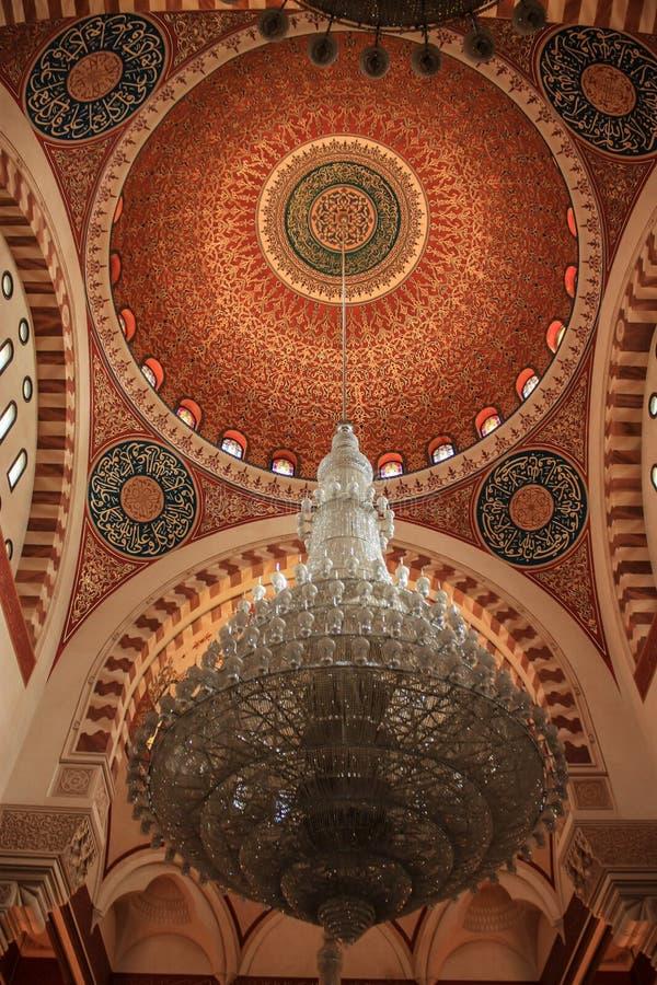 Oszałamiająco wewnętrzna dekoracja Libański meczet fotografia royalty free