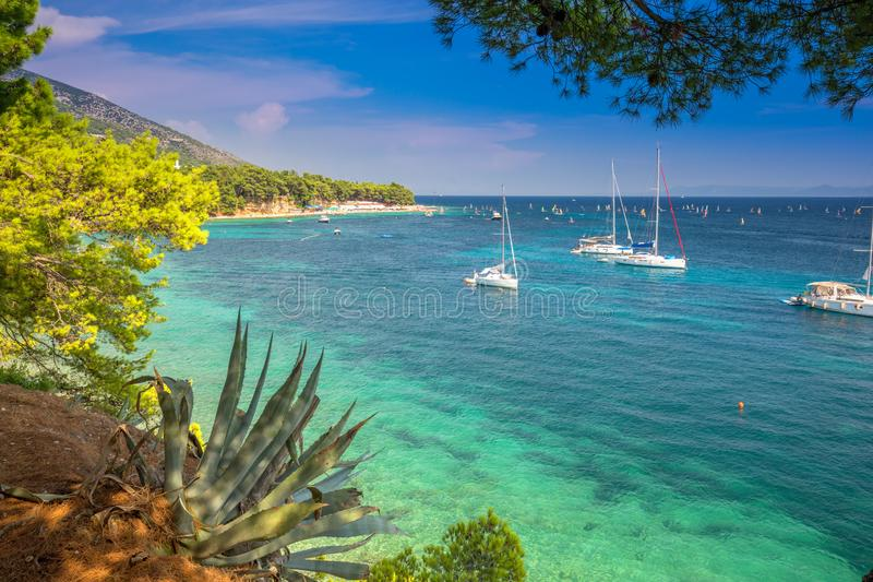 Osza?amiaj?co widok kryszta? - jasny ocean w Bol, Brac wyspa, Chorwacja, Europa obrazy royalty free