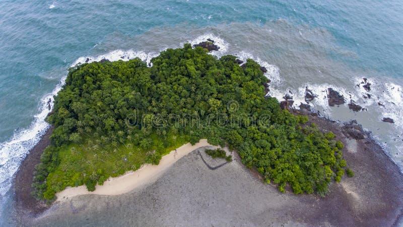 Oszałamiająco wyspa z wybrzeża Koh Chang, Tajlandia obraz royalty free