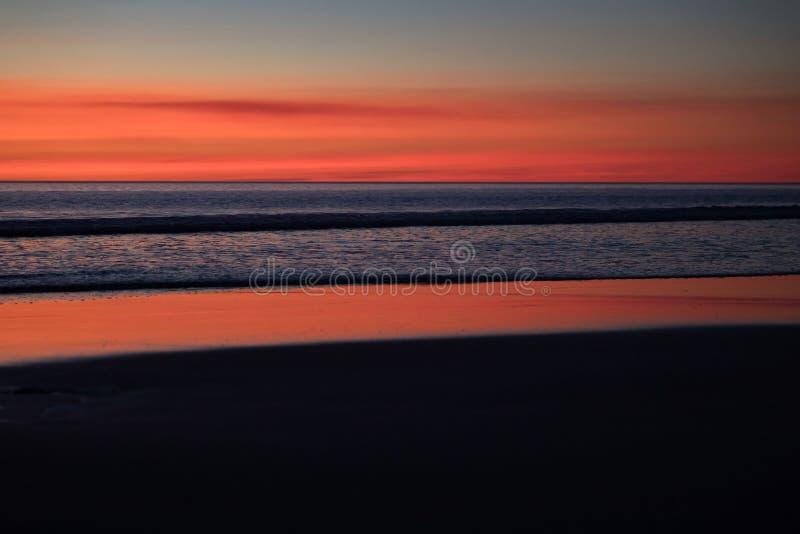 Oszałamiająco zmierzch na kabel plaży, Broome, zachodnia australia, Australia obrazy royalty free