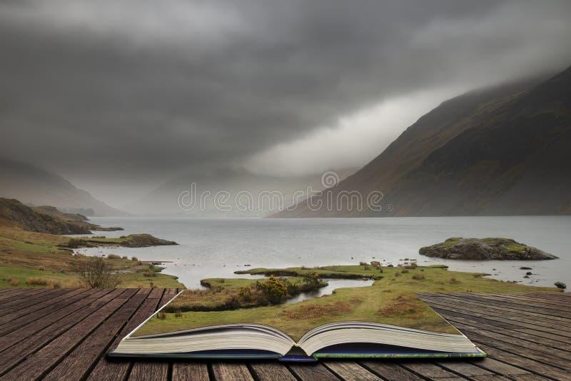 Osza?amiaj?co d?ugi ujawnienie krajobrazu wizerunek Wast woda w UK Jeziornym okr?gu wynika strony w opowie?ci ksi??ce zdjęcia royalty free