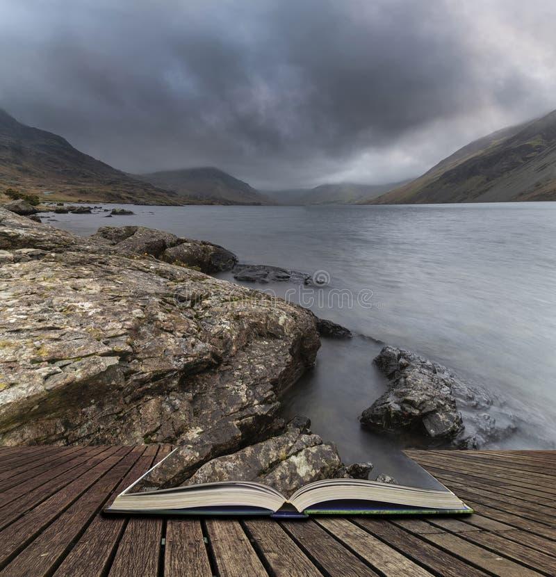Osza?amiaj?co d?ugi ujawnienie krajobrazu wizerunek Wast woda w UK Jeziornym okr?gu wynika strony w opowie?ci ksi??ce zdjęcie royalty free