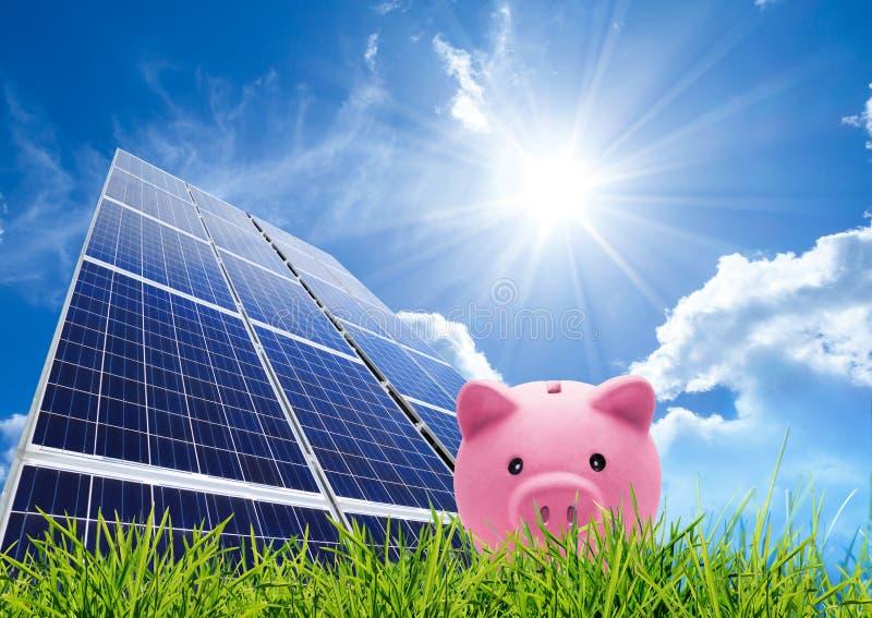 Oszczędzania pojęcie z photovoltaic zdjęcie royalty free