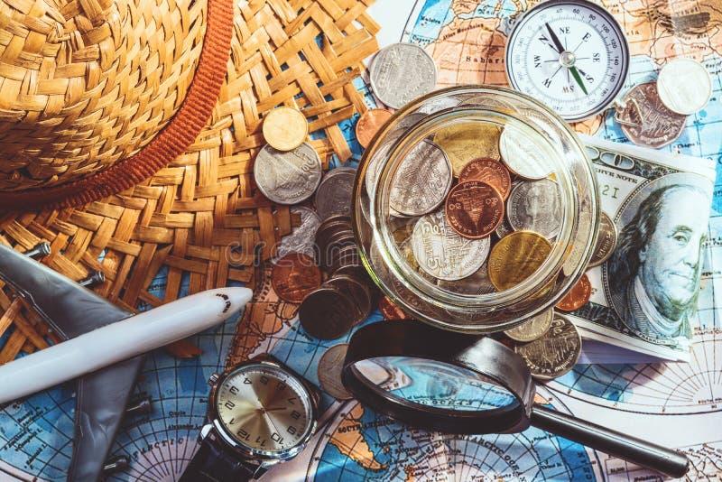 Oszczędzanie pieniądze dla podróżnego pojęcia zdjęcia royalty free