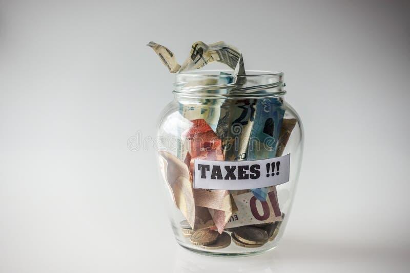 Oszczędzony pieniądze dla podatków zdjęcie royalty free