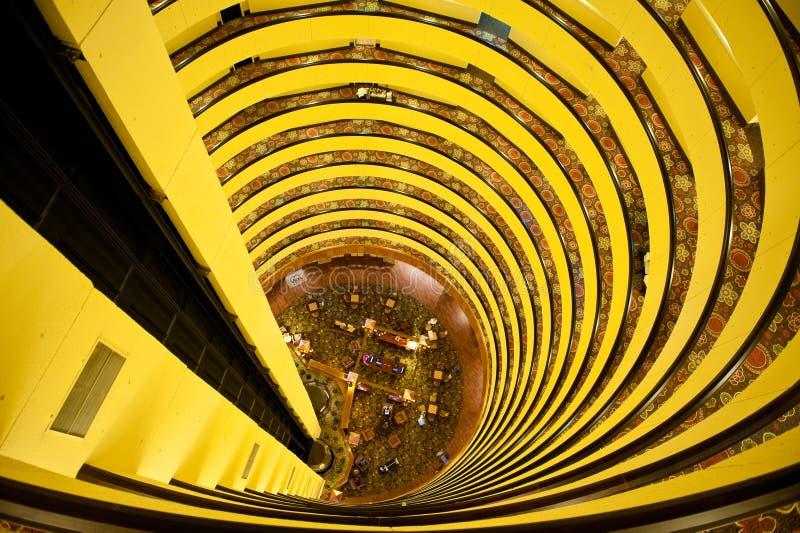 Oszołomeni wzrosty, hotel spirale obrazy royalty free