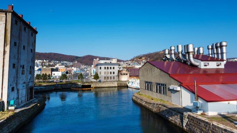 Otaru cityscape nära kanalen royaltyfria foton