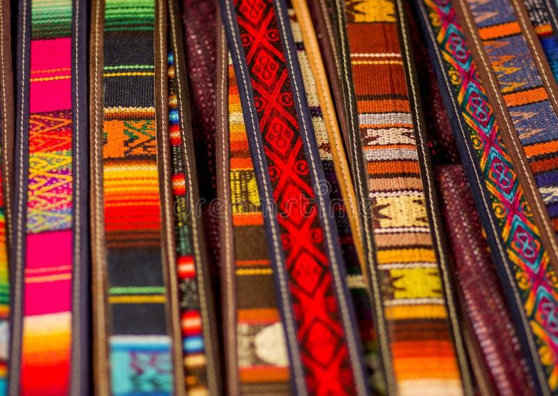 OTAVALO, ECUADOR - 17 DE MAYO DE 2017: Hilado De Materia Textil ...