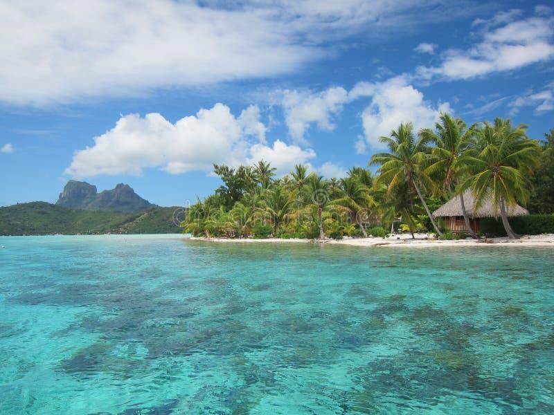 Otemanu de bâti et lagune tropicale image libre de droits