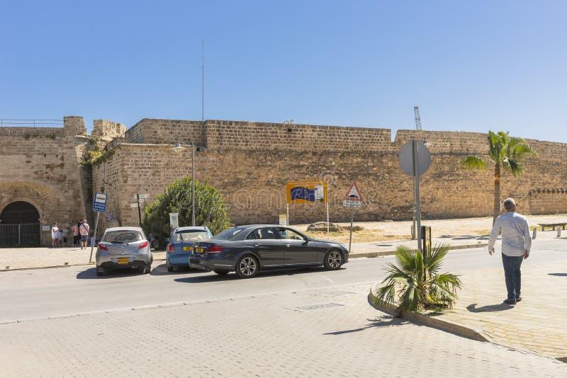 Othello Castle i hamn av Famagusta cyprus royaltyfria foton