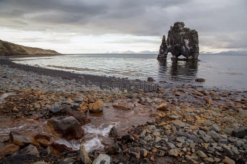 Otherworldly rockowa formacja Hvitserkur, Północny Iceland zdjęcie stock