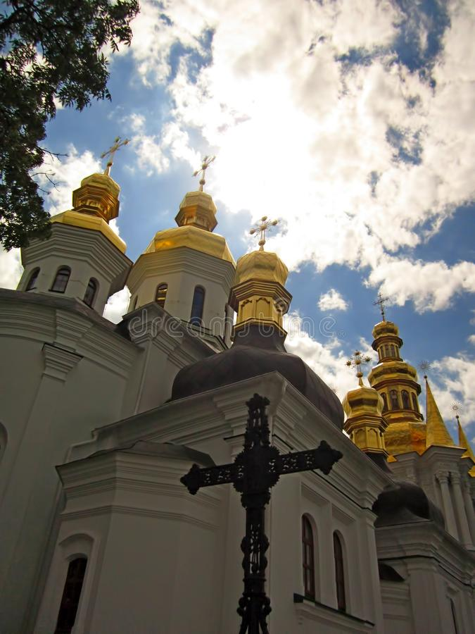 Othodox cruza-se, Kiev Pechersk Lavra, Ucrânia Patrimônio mundial do Unesco fotos de stock