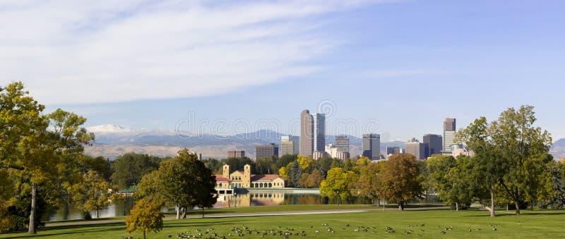 Otoño 2010 del horizonte de Denver, Colorado imagen de archivo