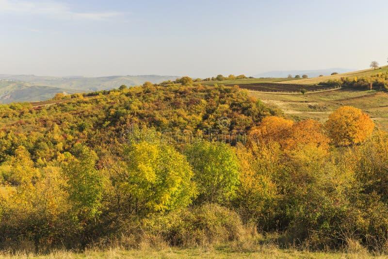 otoño en el paso de Ahsu azerbaijan imágenes de archivo libres de regalías