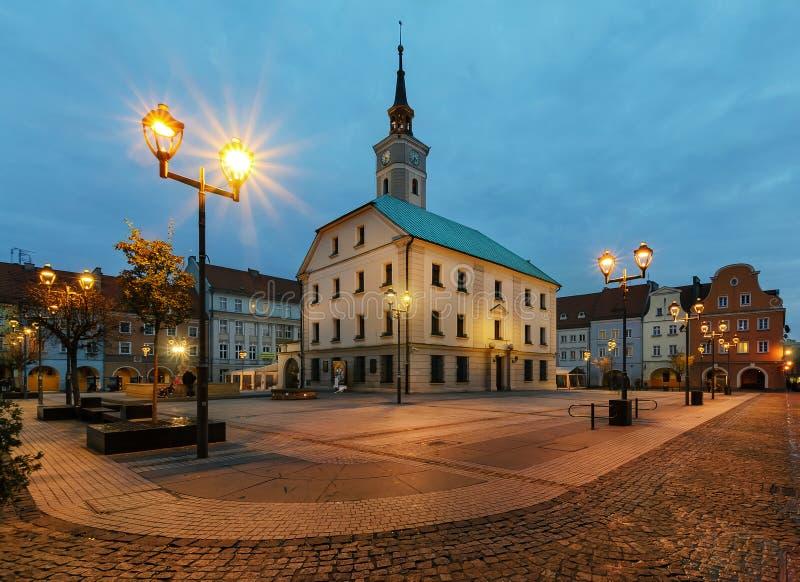 Otoño en la plaza del mercado de Gliwice, Polonia, imagenes de archivo