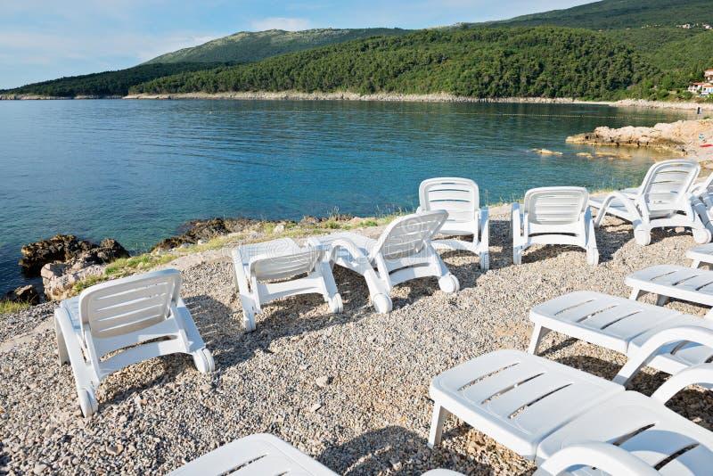 Otoczak plaża z bryczką w Istria zdjęcie royalty free