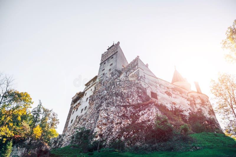 Otręby średniowieczny Kasztel Podróż i wakacje Europa, wycieczka turysyczna piękny słoneczny dzień, kopii przestrzeń Brasov, Tran zdjęcie stock