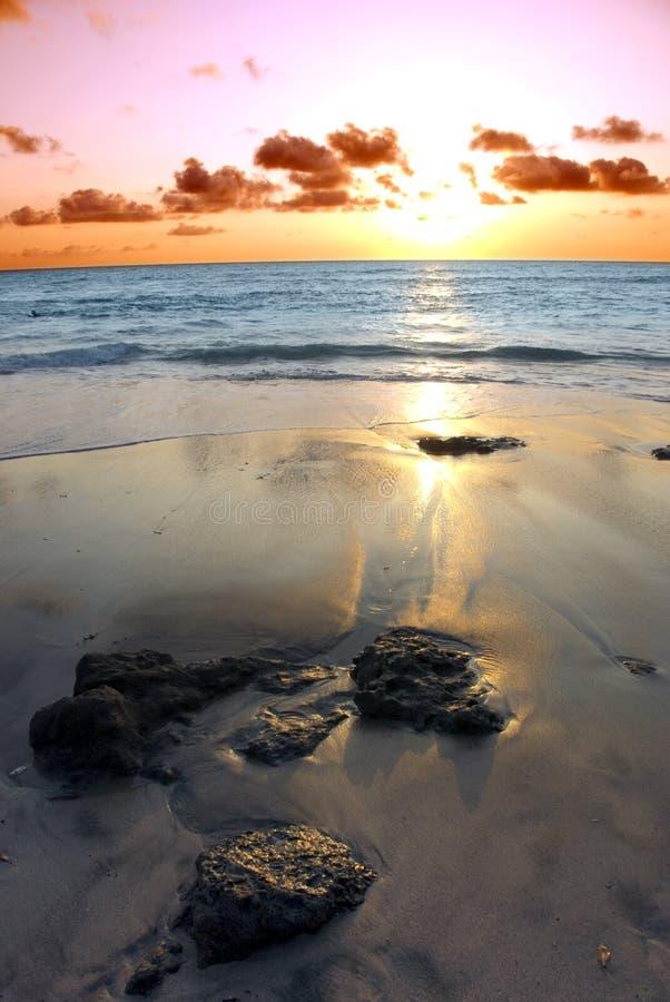 Otra puesta del sol en Tamerindo imagenes de archivo