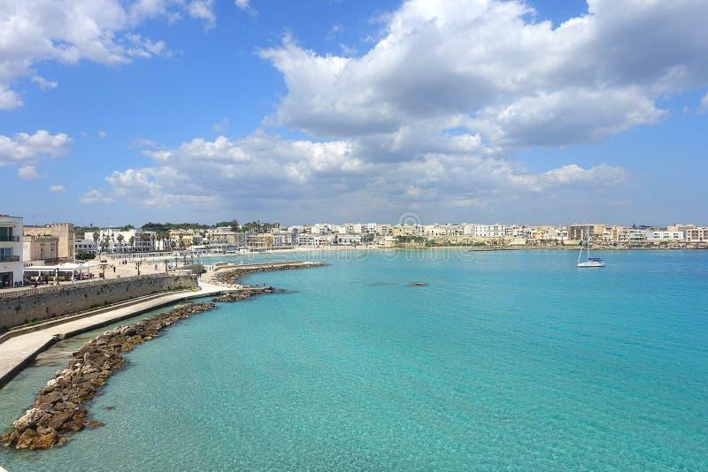 Otranto-Hafen lizenzfreie stockbilder