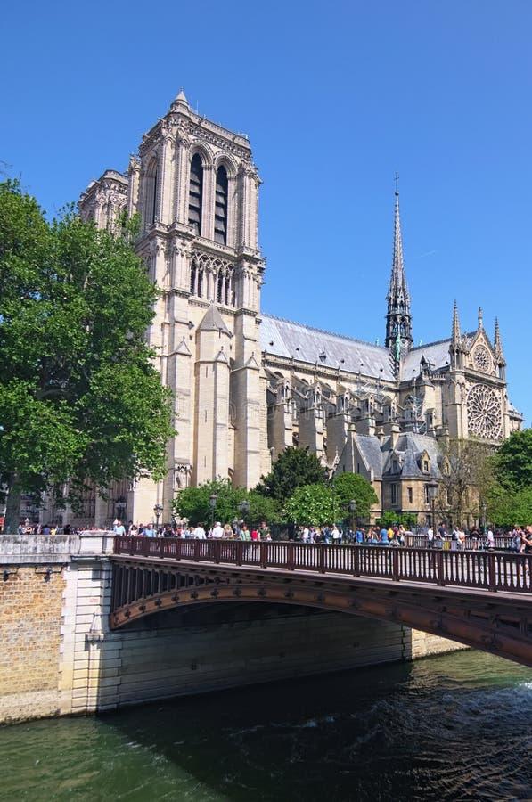 Otre paniusi katedra lub Notre-Dame De katolik kościół w centrum Paryż, jeden symbole Paryż zdjęcie stock