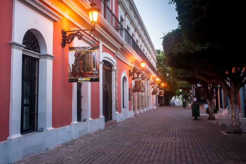 Otta i stadens centrum Mazatlan royaltyfri bild