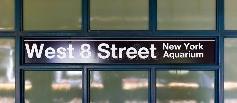 Ottava stazione della metropolitana ad ovest della via - Brooklyn, NY immagini stock libere da diritti