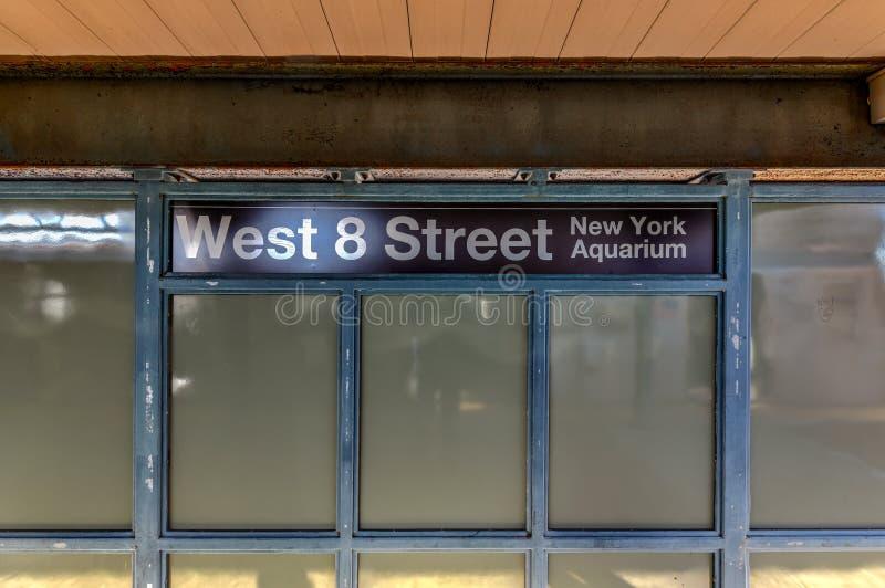 Ottava stazione della metropolitana ad ovest della via - New York fotografie stock