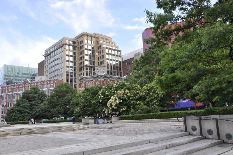 Ottawa, el 26 de junio: Parque de la confederación del centro de la ciudad de Ottawa en Canadá foto de archivo