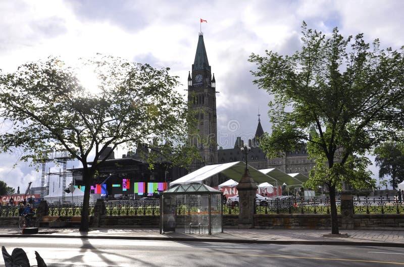 Ottawa, 26 Juni: Parlementsgebouw met Vredestoren in Canada 150 Festiviteit van Ottawa in Canada royalty-vrije stock afbeeldingen