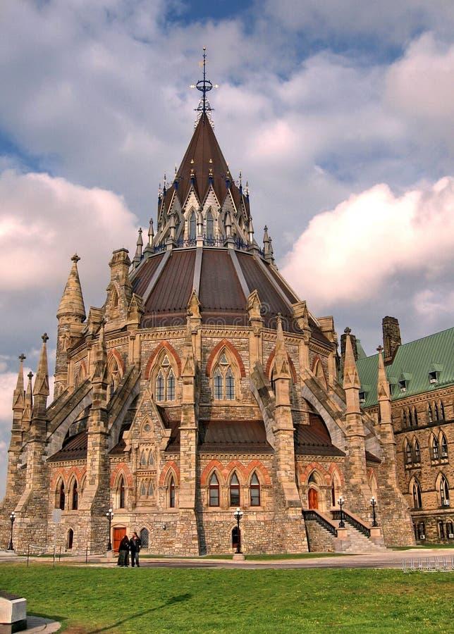 Ottawa la bibliothèque le Parlement en mai 2008 canadien photos stock