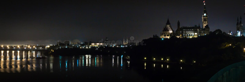 Ottawa nocy panorama zdjęcia royalty free