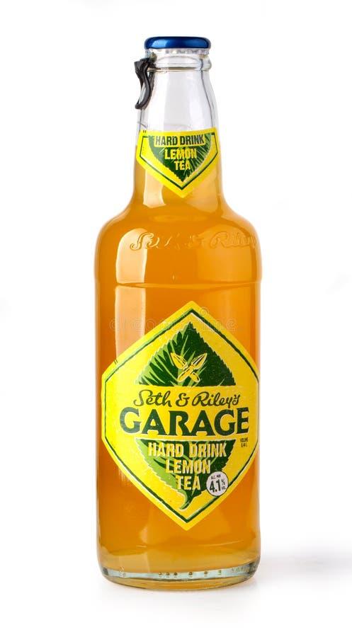 Ottle av den hårda citronen för garage royaltyfria bilder