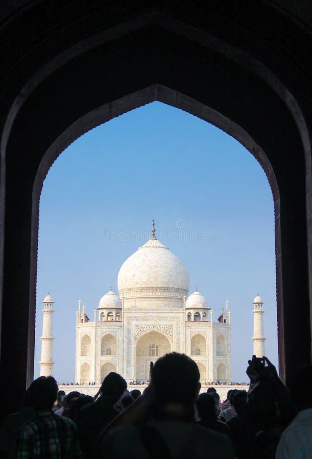 19 OTTOBRE 2013, AGRA - L'INDIA Visita Taj Mahal della gente Unesco Wo fotografia stock