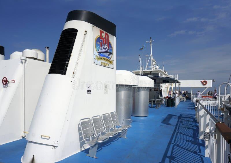 7 ottobre 2015 Lewes Delaware: Piattaforma superiore del traghetto di Henlopen del capo come attraversa la baia di Delaware fotografia stock