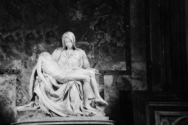 10 ottobre 2018: Pietà Di Michelangelo The Pity, 1498-1499, situato in st Peter Basilica a Roma fotografia stock libera da diritti