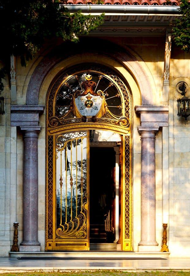 Ottomanen handcraft dörren arkivbilder