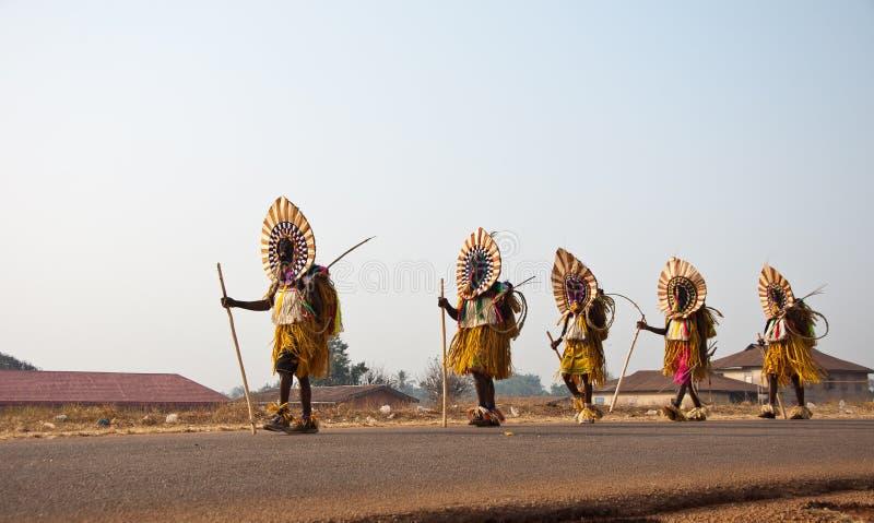 Otuo Pełnoletnich stopni festiwal - maskarada w Nigeria fotografia royalty free