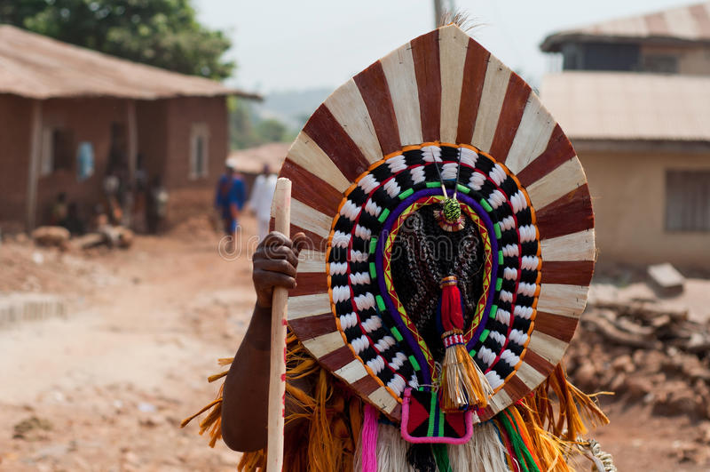 Otuo Ukpesose festival - Itu-maskerad i Nigeria arkivbilder