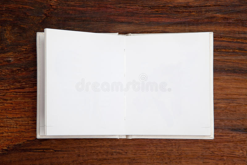 Otwarta puste miejsce książka obraz stock