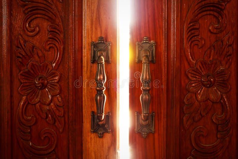 Otwarte Drzwi światło obraz royalty free