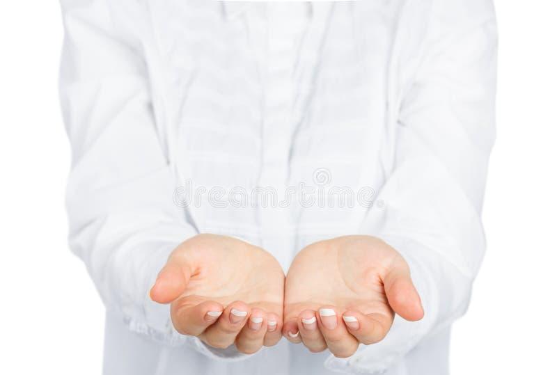 Download Otwarte Kobiet Ręki Z Kurtką Obraz Stock - Obraz złożonej z giza, kurtka: 53780549