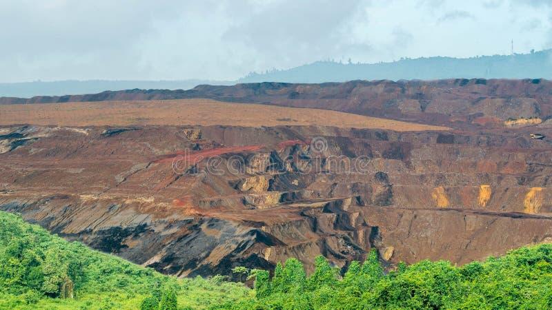 Otwartej jamy coalmining, Sangatta, Indonezja obraz stock