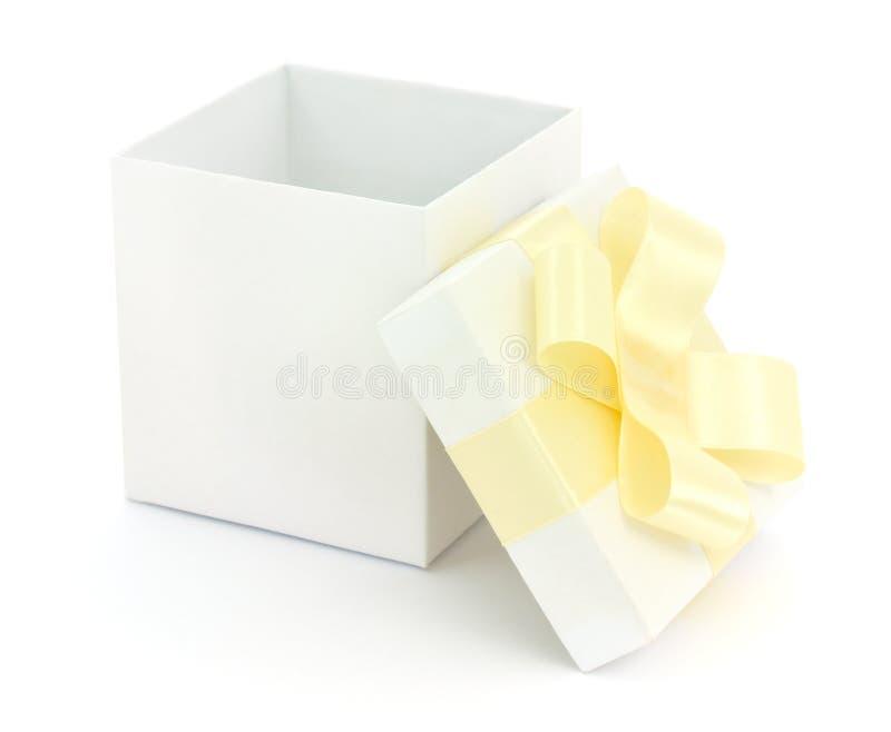 otwarty pudełkowaty prezent zdjęcia stock