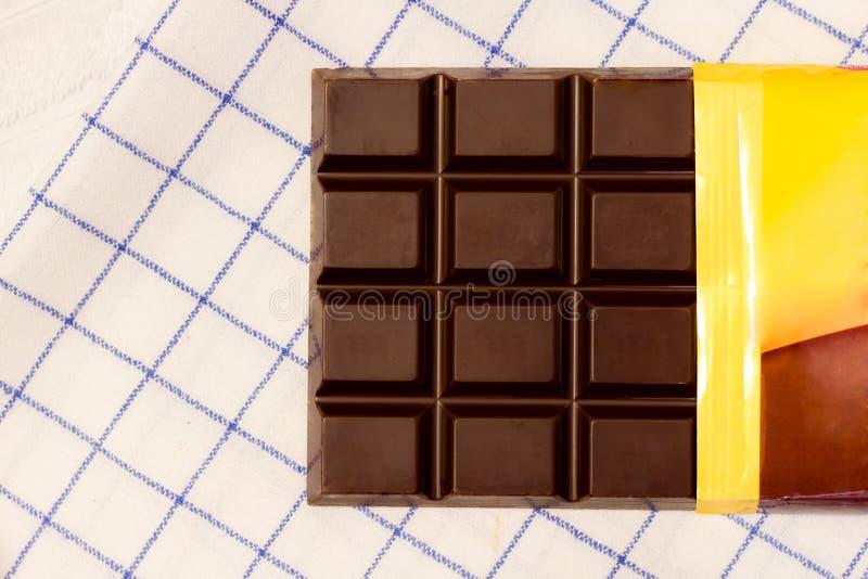 Download Otwiera baru czekolada obraz stock. Obraz złożonej z biały - 53777933