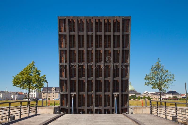 Download Otwiera Drawbridge W Kopenhaga Zdjęcie Stock - Obraz złożonej z dziejowy, błękitny: 28951418