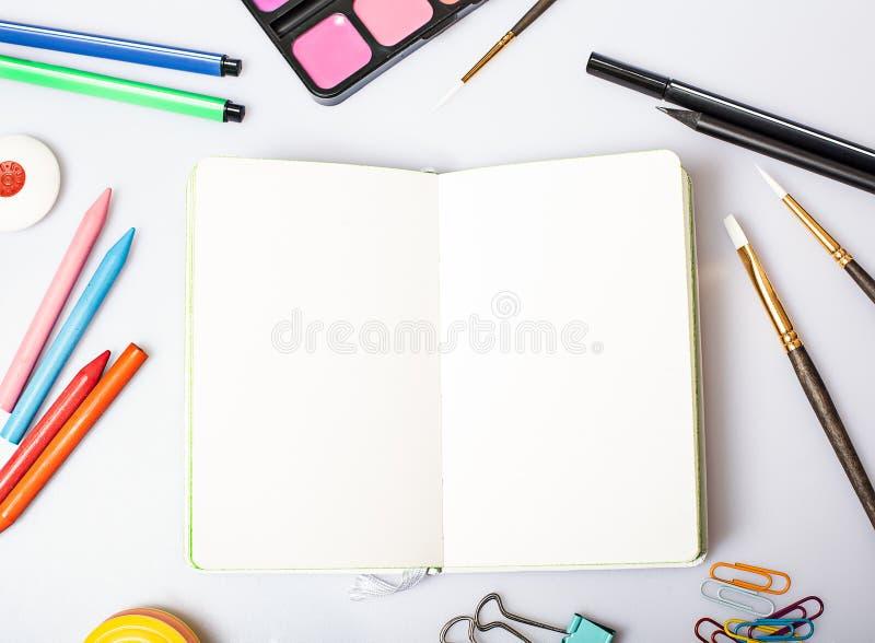 Otwiera notepad z pustych stron mockup zdjęcie stock