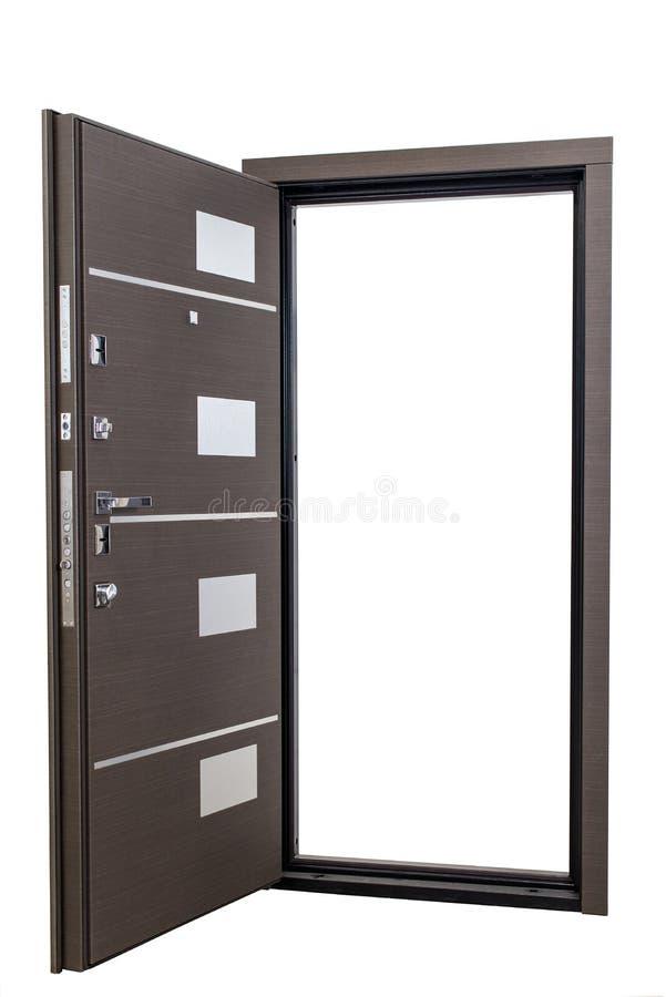Otwiera opancerzonego drzwi odizolowywającego przy białym tłem Wizerunek otwarte drzwi Wejście mieszkanie Brown drewna forniru dz zdjęcia stock