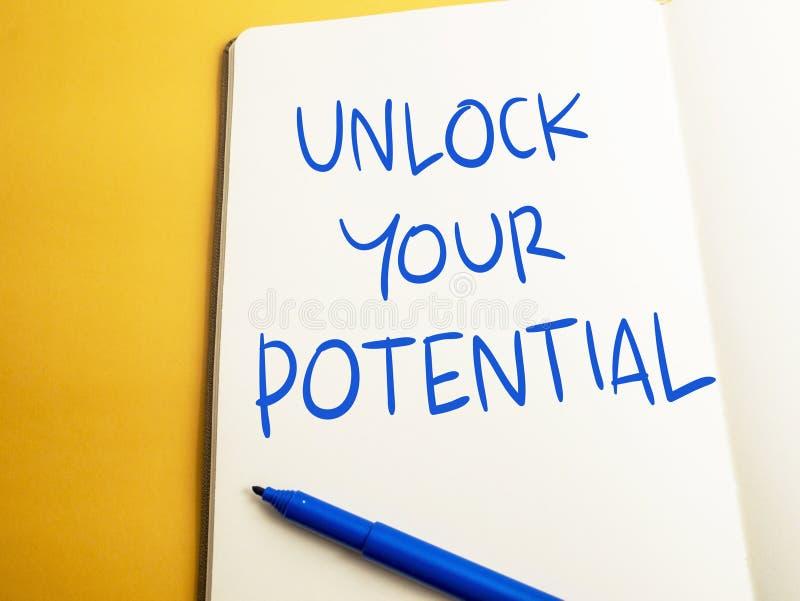 Otwiera Twój potencjał, Motywacyjne Inspiracyjne wycena obraz stock