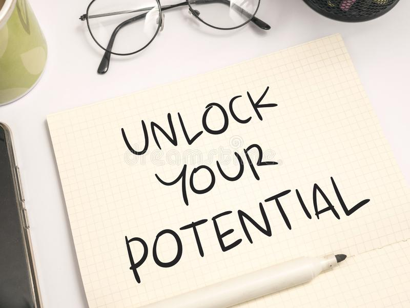 Otwiera Twój potencjał, Motywacyjne Inspiracyjne wycena zdjęcie stock