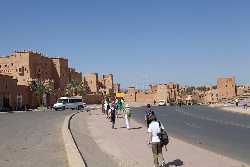 Ouarzazate的游人,摩洛哥 免版税库存照片